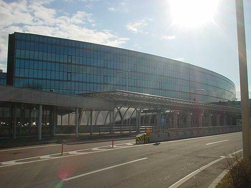 新千歳空港の駐車場情報&周辺の予約できる格安駐車場5選!