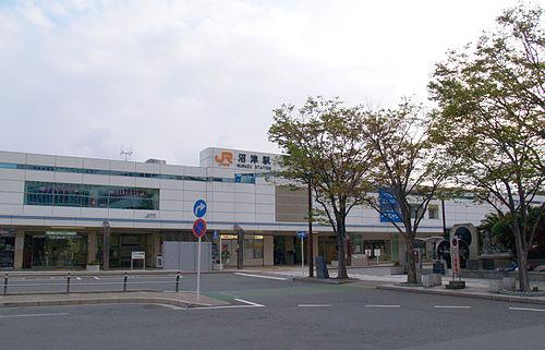 沼津駅・沼津港周辺の安い駐車場&無料の駐車場を紹介!