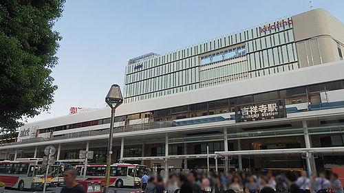 吉祥寺駅周辺の駐車場!割引・無料サービスのある駐車場まとめ!