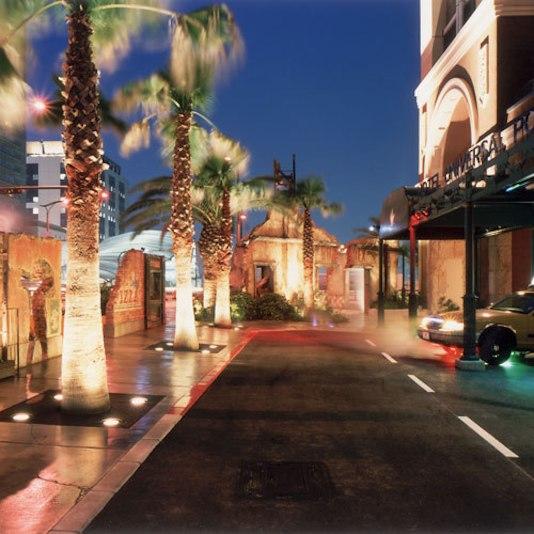 ホテルユニバーサルポートのアクセス方法&駐車場料金は?