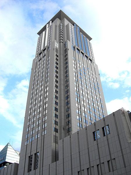 ホテル阪急インターナショナルのアクセス&駐車場!料金は無料?