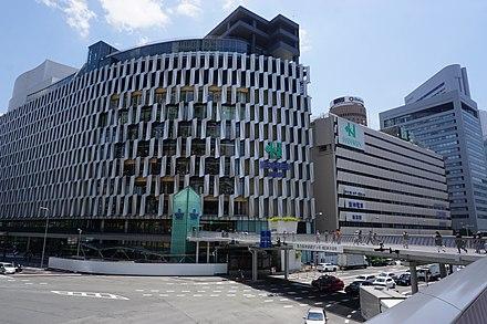 阪神百貨店梅田本店のアクセス&周辺の安い駐車場の料金は?