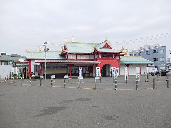 【片瀬江ノ島】駅周辺の料金の安い駐車場や予約できる駐車場は?