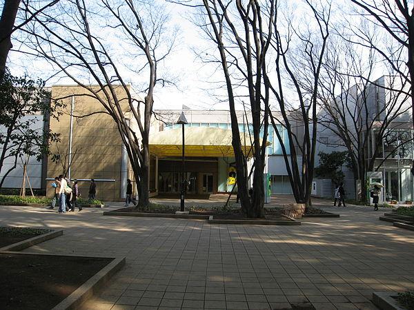 上野の森美術館のアクセス&周辺の駐車場!安い駐車場や割引は?