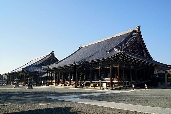 西本願寺のアクセス&周辺の駐車場!時間・料金や安いとこは?