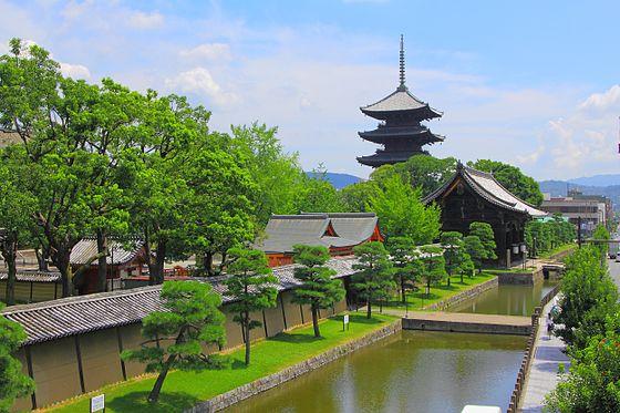 東寺のアクセス&周辺の駐車場!弘法市やがらくた市の混雑時に!