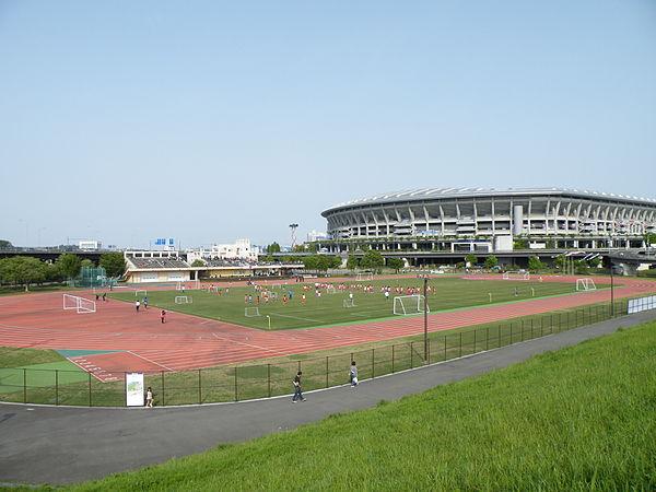 日産ウォーターパーク ・新横浜公園の駐車場!混雑状況や料金は?