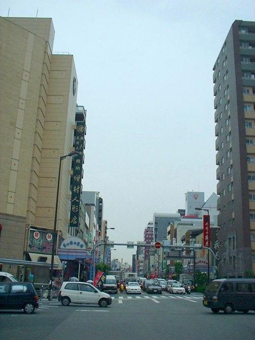 松屋町・谷町六丁目駅周辺のおすすめ駐車場!予約はピージーがおすすめ!